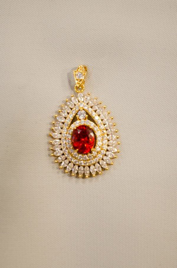 Pendentif oval rouge