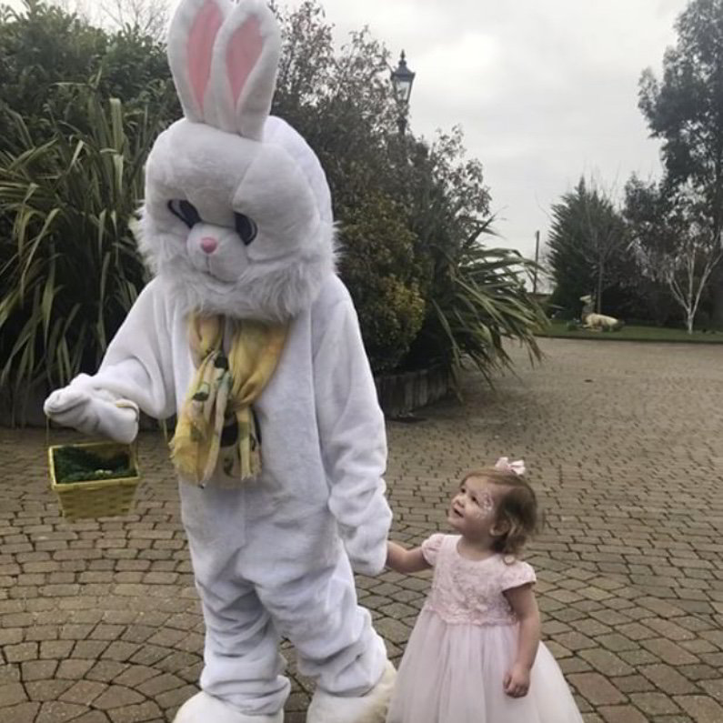 easter bunny visit essex, little party monkeys, london, mascots, egg hunt