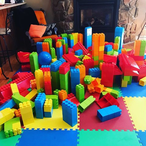 Giant Block Party Rental (530 Pieces)