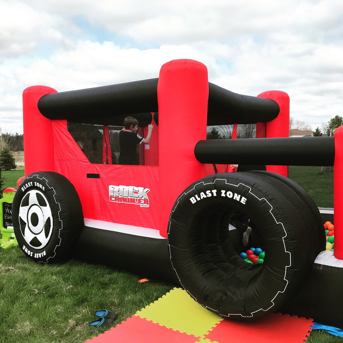 18' x 11' Rock Crawler Bounce House Rental, Ball Pit, Double Lane Slide, 1000+ Balls