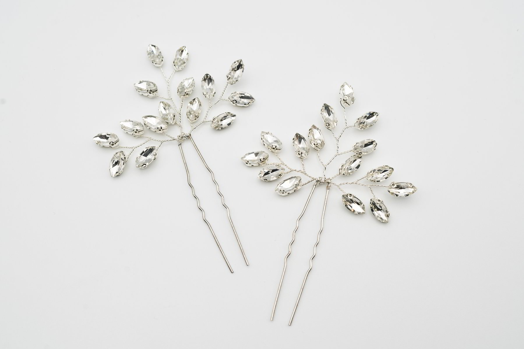 Rhinestone Hair Pin in Silver