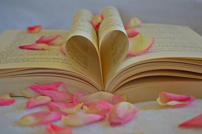 Bookwithflowerpedals_q8fQER