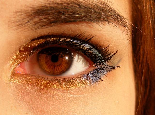 Eye_NWdhKl